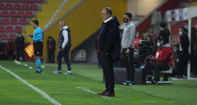 Fatih Terim: 'Galatasaray duramaz, durursa düşer'