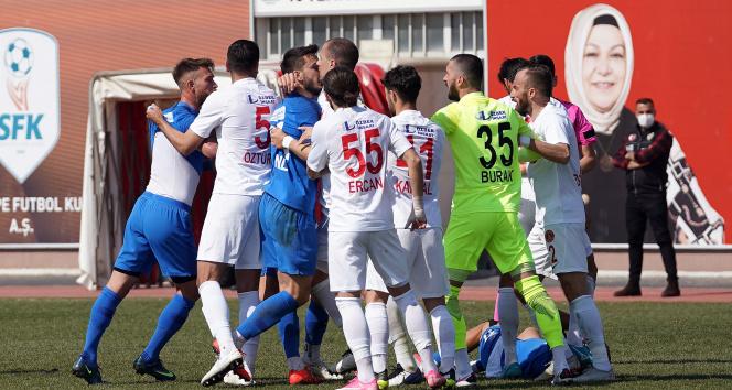 Tuzlaspor – Ümraniyespor maçında gerginlik