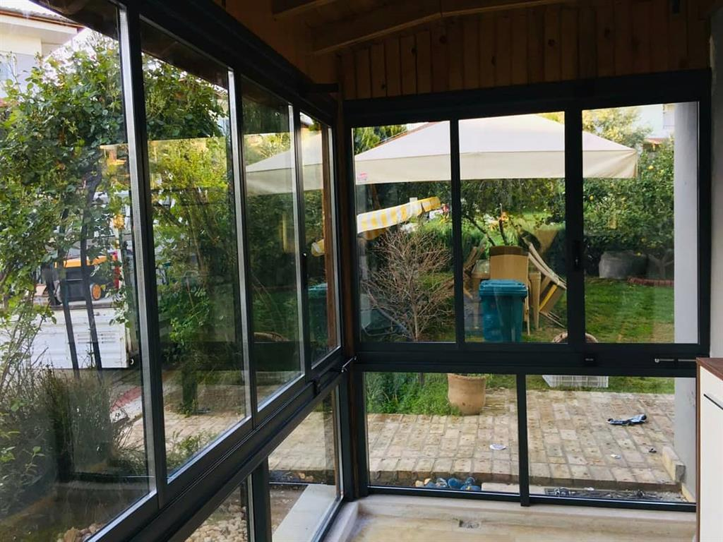 Isıcamlı Modern Cam Balkon